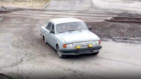 A maneira de os russos pouparem no transporte para o trabalho… WTF!