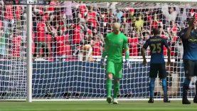 FIFA 15 Career WTF ronaldo and lewandoski????