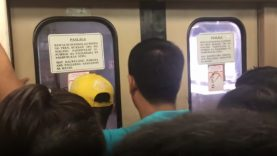 O perigo de interromper o fecho uma porta no metro das Filipinas… WTF!